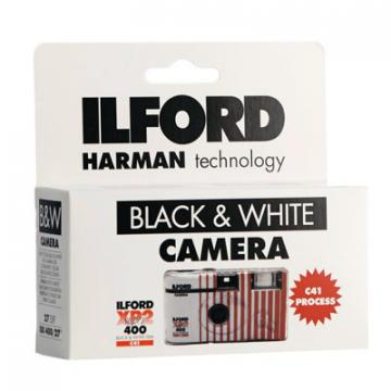 ILFORD USA E GETTA BW XP2 27POSE